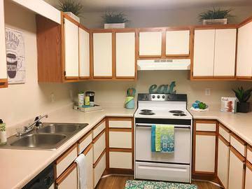 Kitchen - Summit Terrace - Prattville, AL
