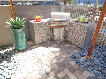 Outdoor Kitchen - Beacon at 601 - Mesa, AZ