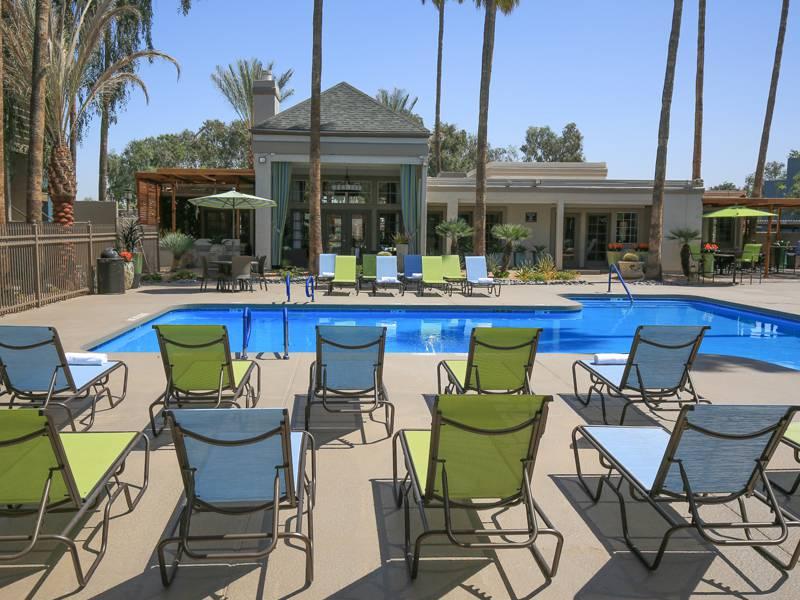 Beacon at 601 apartments mesa az apartment rental community for Public pools in mesa az
