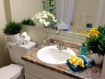 Bathroom - Luxe 1930 - Mesa, AZ