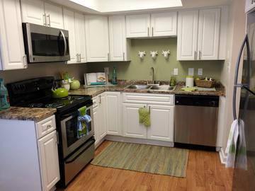 Kitchen - Luxe 1930 - Mesa, AZ