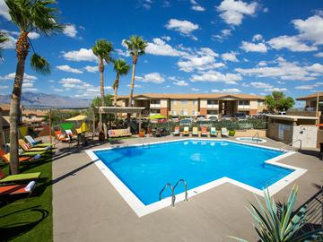 Expansive Sundeck - The Ledges at West Campus - Tucson, AZ