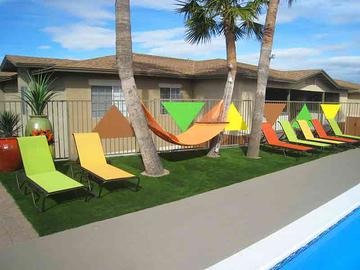 Sundeck with Loungers - The Ledges at West Campus - Tucson, AZ