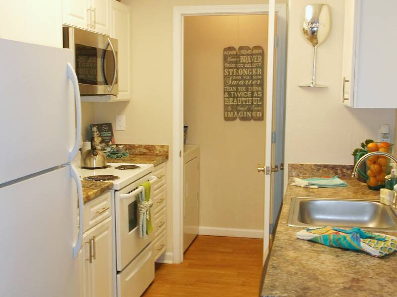 Apartment photos videos wellington at chenal in little for 3 bedroom apartments in little rock ar