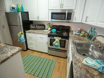 Kitchen - Abby Creek Apartment Homes - Carmichael, CA