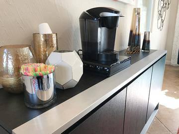 Complimentary Coffee - Cambridge House - Davis, CA