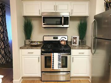 Stainless Steel Appliances - Cambridge House - Davis, CA