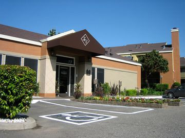 Leasing Office Exterior - Summerview - Modesto, CA
