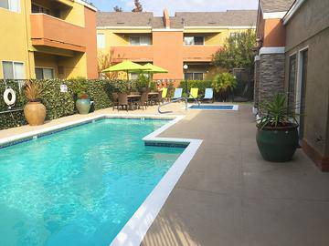 Spa and Lounge Deck - Summerview - Modesto, CA