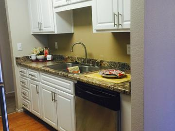 Remodeled Kitchen - The Commons - Modesto, CA