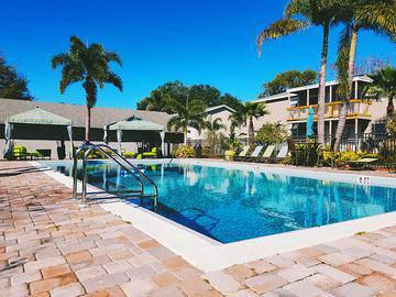 Resort-Style Pool - The Preserve at Spring Lake - Altamonte Springs, FL