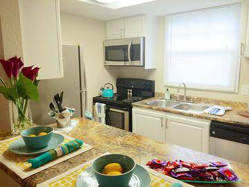 Townhome Kitchen - The Preserve at Spring Lake - Altamonte Springs, FL