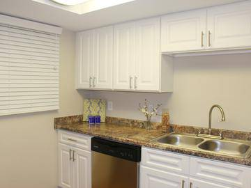 Fully Applianced Kitchen - The Preserve at Spring Lake - Altamonte Springs, FL
