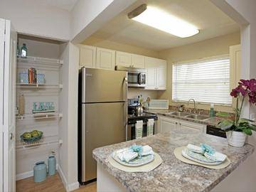 Updated Kitchens - Boca Winds - Boca Raton, FL