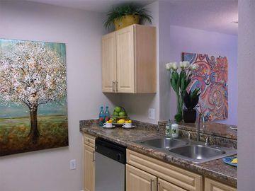 Breakfast Bar - Kendall Ridge Apartments - Bradenton, FL