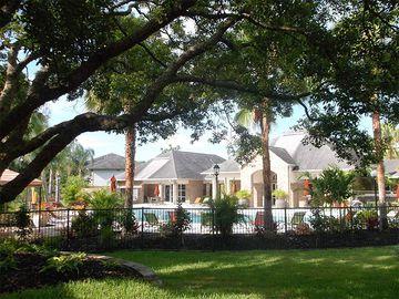 Lush Landscaping - Kendall Ridge Apartments - Bradenton, FL