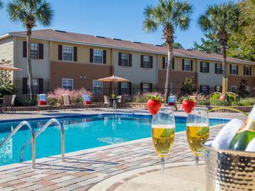 Expansive Sundeck - Ridgemar Commons - Gainesville, FL
