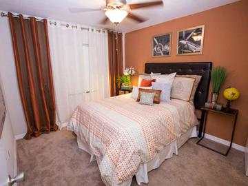 Bedroom - Ridgemar Commons - Gainesville, FL