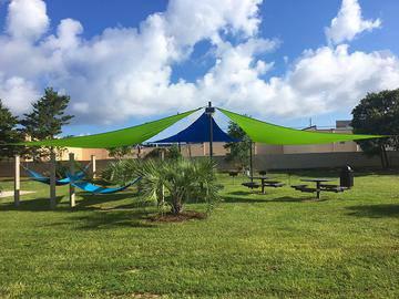 Picnic Area - The Fairpointe at Gulf Breeze - Gulf Breeze, FL