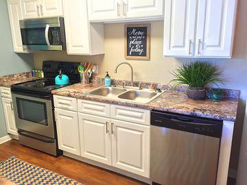 Stainless Steel Appliances - The Fairpointe at Gulf Breeze - Gulf Breeze, FL
