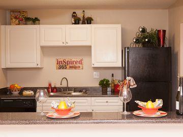 Kitchen with Breakfast Bar - Bella Terraza - Jacksonville, FL