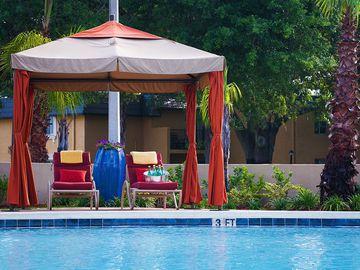 Poolside Cabanas - Bella Terraza - Jacksonville, FL