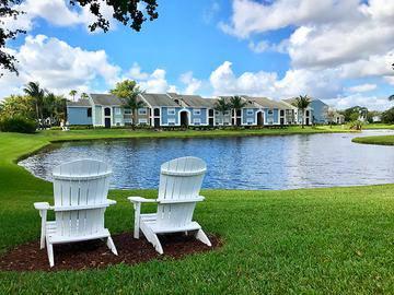 Lakeside Living - The View at Waters Edge - Lantana, FL