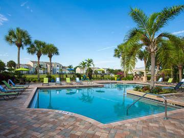 Resort-Style Pool - Beachway Links - Melbourne, FL