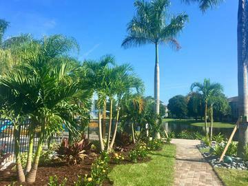 Lush Landscaping - Grand Oaks at the Lake - Melbourne, FL