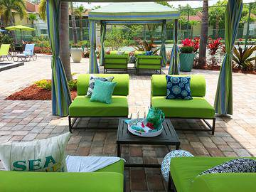 Poolside Cabanas - River Reach - Naples, FL