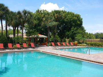 Sparkling Swimming Pool - Avery Place Villas - Orlando, FL