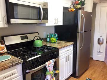 Stainless Steel Appliances - Harper Grand - Orlando, FL