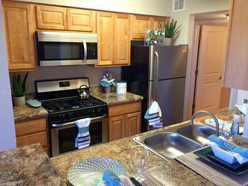 Maple Cabinets - Harper Grand - Orlando, FL