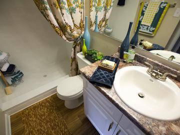 Bathroom - The Bentley at Maitland - Orlando, FL