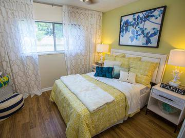 Bedroom - The Bentley at Maitland - Orlando, FL