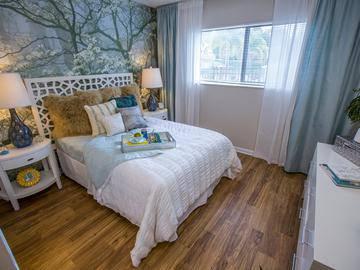 Master Bedroom - The Bentley at Maitland - Orlando, FL