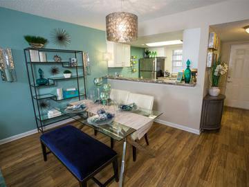 Dining Room - The Bentley at Maitland - Orlando, FL