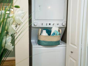 Laundry Room - The Bentley at Maitland - Orlando, FL