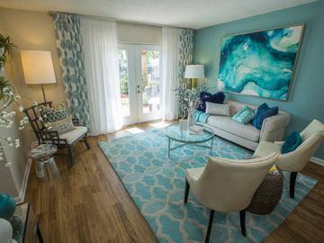 Living Room - The Bentley at Maitland - Orlando, FL
