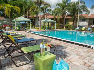Poolside Cabanas - The Bentley at Maitland - Orlando, FL