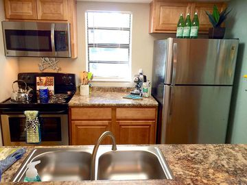 Stainless Steel Appliances - The Bentley at Maitland - Orlando, FL