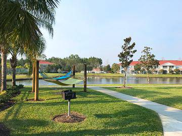 Hammock Lounge - Pine Lake - Palm Coast, FL