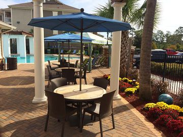 Poolside Picnic Area - Waterstone at Jenks - Panama City, FL