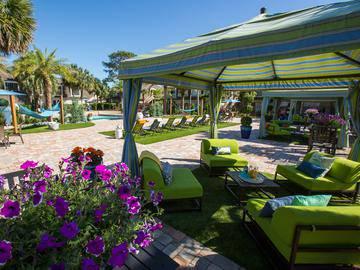 Poolside Cabanas - Chapins Landing - Pensacola, FL