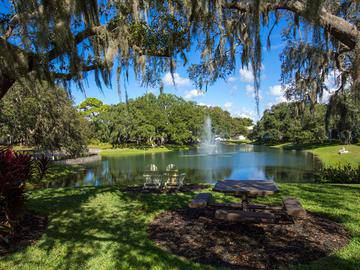 Picnic Tables - The Lakes at Port Richey - Port Richey, FL