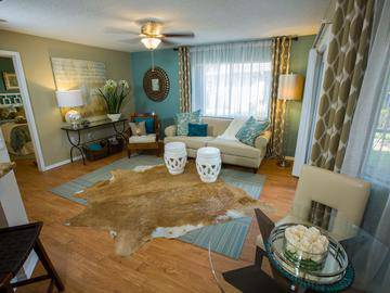Living Room - The Lakes at Port Richey - Port Richey, FL