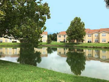 Luxury Lakeside Living - Soleil Blu Luxury Apartments - St Cloud, FL