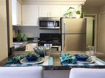 Breakfast Bar - Soleil Blu Luxury Apartments - St Cloud, FL