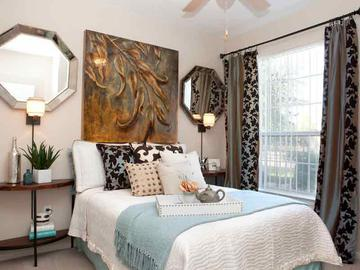 Master Bedroom - Springwood Townhomes - Tallahassee, FL