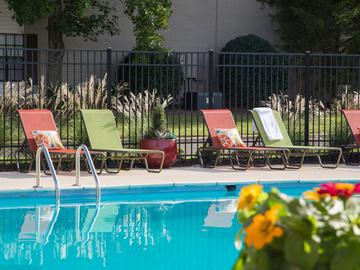 Sparkling Swimming Pool - Springwood Townhomes - Tallahassee, FL
